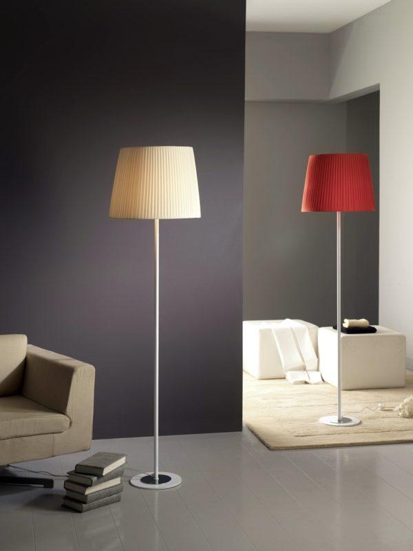 Lámpara pie plisadas 0002 by Ilusoria Lamps en muebles antoñán® León