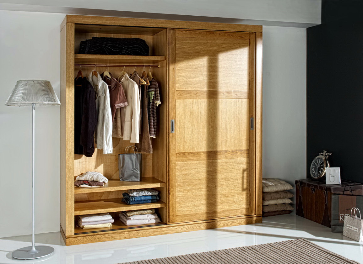 Armarios madera roble by ecopin muebles anto n for Armarios baratos roble