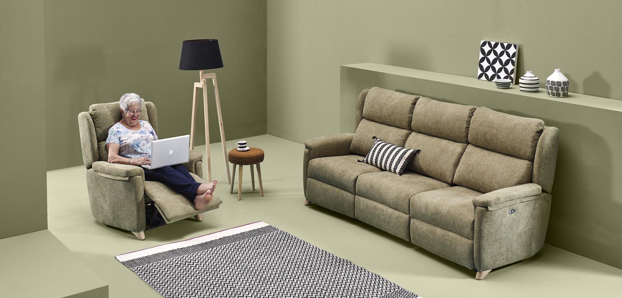 DIVERSO sofá modular relax motorizado by Reyes Ordoñez 3 PLAZAS RELAX venta en MUEBLES ANTOÑÁN León